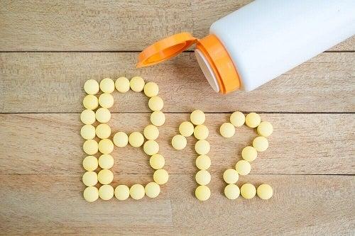 Vitamina B12 pe lista de nutrienți necesari după 40 de ani