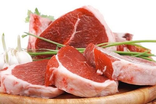 Carnea roșie pe lista de alimente bogate în colesterol rău