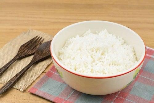 Cel mai bun mod de a consuma orez alb gătit