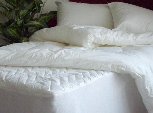 5 trucuri pentru întreținerea corectă a saltelei de pat