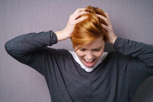 Cum să combați epuizarea emoțională și nevoia de a deține controlul