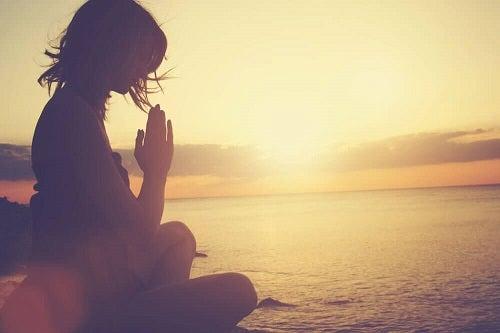 Cum să combați epuizarea emoțională și să îți controlezi emoțiile