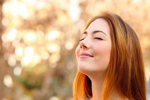 Cum să combați epuizarea emoțională practicând recunoștința