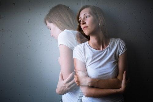 Cum să gestionezi atacurile de anxietate: sfaturi utile