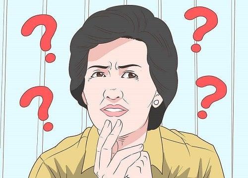 Femeie întrebându-se dacă debutul bolii Alzheimer poate fi stopat
