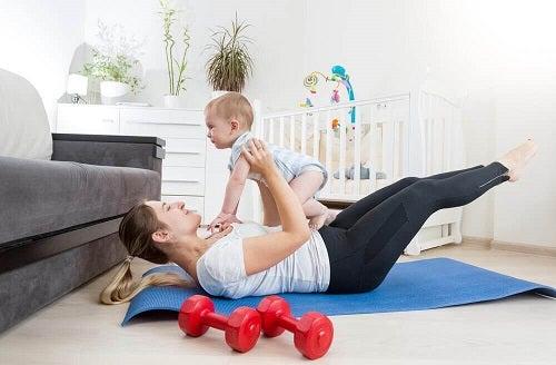 O mamă la 35 de ani ce are un stil de viață mai sănătos