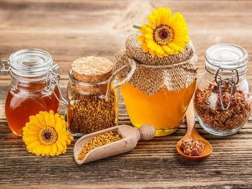 Mierea și propolisul sunt remedii naturale pentru infecția cu HPV