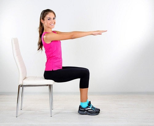 Răsucirea trunchiului pe lista de exerciții care îți subțiază talia