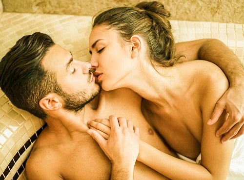 Sfaturi pentru a face sex în apă privind posibilitatea de a rămâne însărcinată