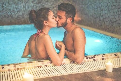 Sfaturi pentru a face sex în apă la piscină