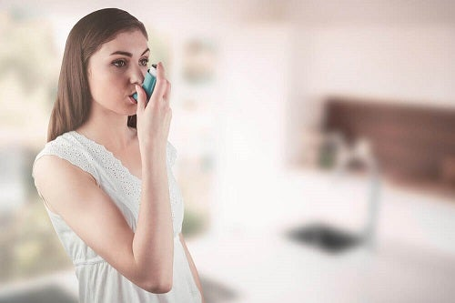 Simptomele astmului pot fi ținute sub control cu un tratament adecvat