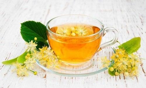 Tei inclus în ceaiuri pentru un somn mai odihnitor