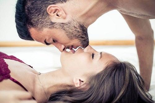 5 trucuri pentru a crește dorința sexuală