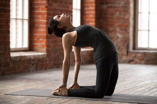 Yoga pe lista de exerciții împotriva gazelor intestinale