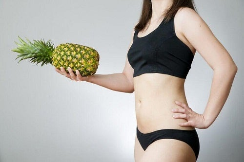 Beneficiile apei de ananas pentru o siluetă de invidiat