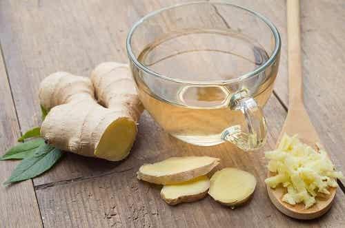 Cum să prepari un ceai antiviral cu ghimbir