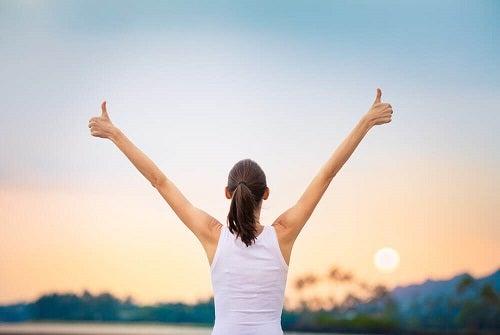 Cum să te ierți pentru greșelile din trecut adoptând obiceiuri benefice