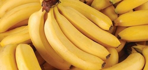 Diferențe între bananele plantain și cele obișnuite privind valorile nutriționale