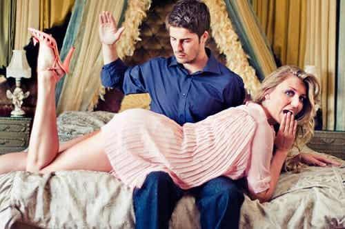 Ce este spanking-ul erotic? Câteva informații esențiale