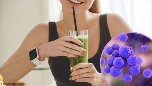 4 shake-uri care stimulează eliminarea toxinelor