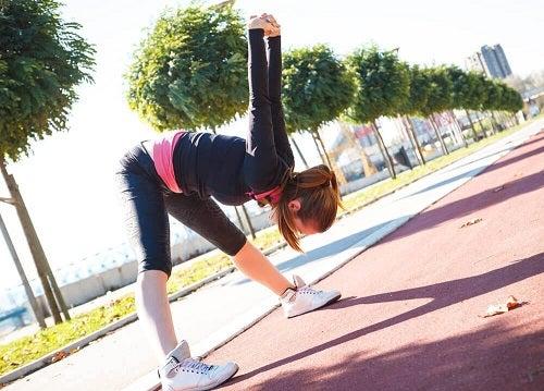 Întinderile sunt trucuri pentru combaterea crampelor musculare