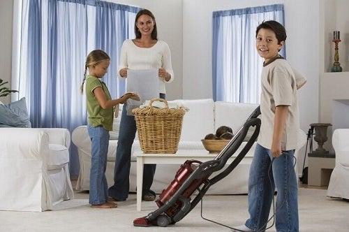 Obiceiuri pentru o locuință ordonată puse în aplicare în familie