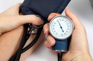 mekkora a szív és a magas vérnyomás terhelése senna a magas vérnyomás ellen