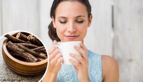 Remedii pentru refluxul gastroesofagian precum ceaiul de lemn dulce