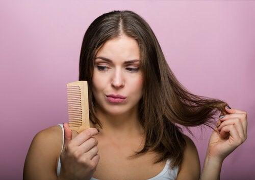 Rețete de șampon natural pentru păr gras