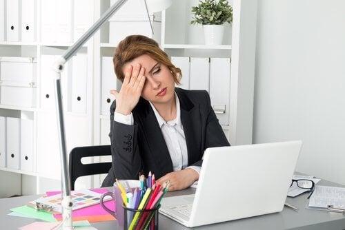Sedentarismul inclus pe lista de motive pentru care te simți obosit