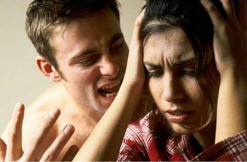 6 semne că ești o victimă a abuzului verbal