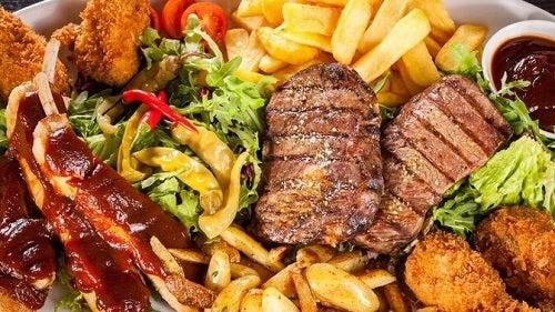 Sfaturi pentru scăderea colesterolului rău prin evitarea de alimente nocive