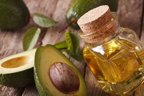 Tratamente anticelulită cu sâmburi de avocado și ulei de măsline