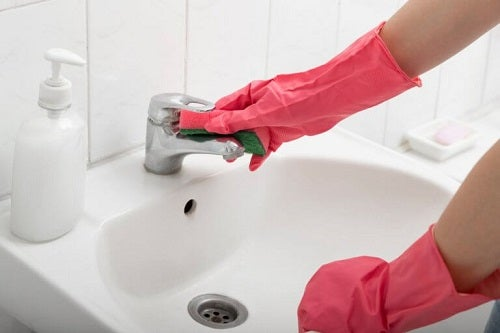 Trucuri pentru a dezinfecta baia fără chimicale