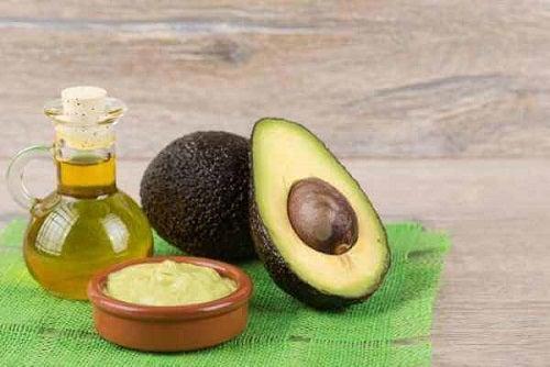 Ulei de migdale în tratamente anticelulită cu sâmburi de avocado