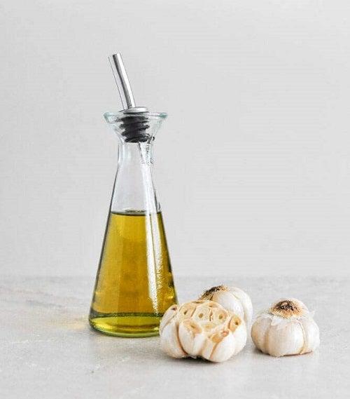 Ulei de usturoi și sarsaparilla pentru tratarea psoriazisului