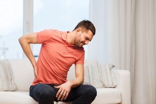 6 cauze ale durerilor de spate