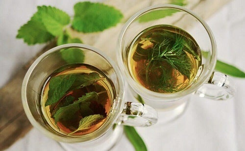 Ceaiul de fenicul pe lista de ceaiuri pentru combaterea gazelor intestinale