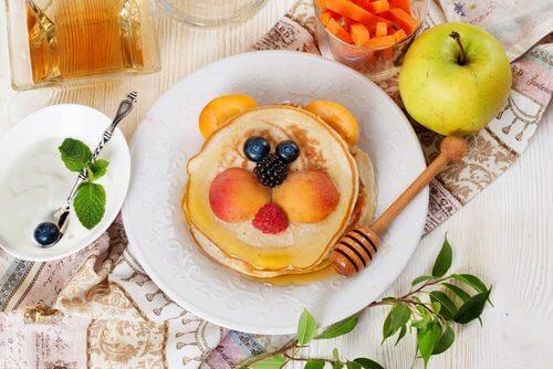 Clătitele cu pere sunt un mic dejun cu puține calorii
