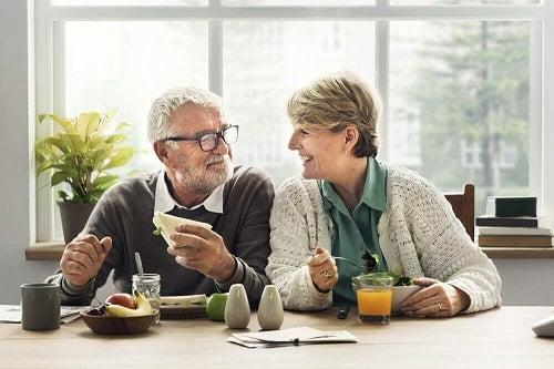 5 schimbări dietetice esențiale după 40 de ani