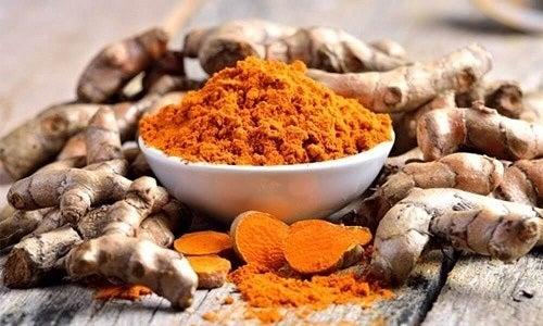 Curcuma pe lista de remedii naturiste pentru tratarea gingivitei