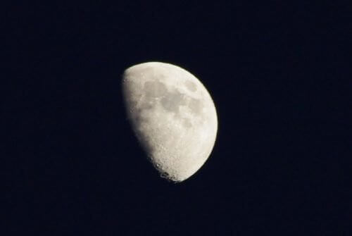 Efectele lunii asupra oamenilor la primul pătrar