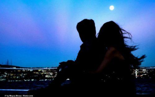 Efectele lunii asupra oamenilor în ceea ce privește relațiile amoroase