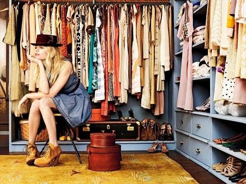 Idei pentru ordonarea hainelor în funcție de anotimp