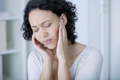Masarea urechilor pe lista de obiceiuri matinale sănătoase
