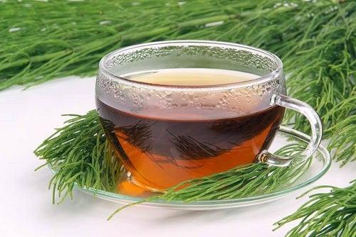 Remedii naturiste pentru flebită pe bază de ceaiuri