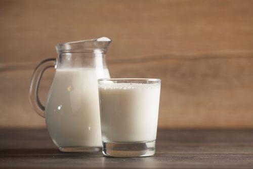 Remedii naturiste pentru petele pielii cu lapte