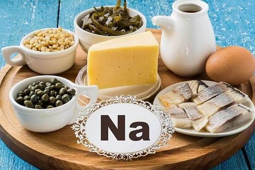 Schimbări dietetice esențiale după 40 de ani ca să reduci aportul de sodiu