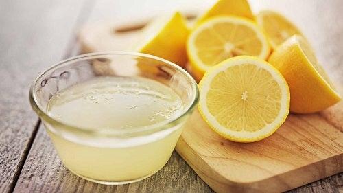 Soluții pentru a albi rosturile gresiei cu lămâie