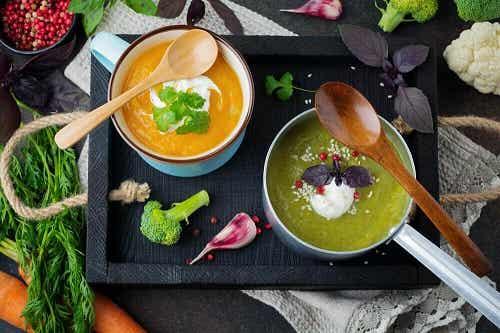5 supe delicioase pentru detoxifierea corpului